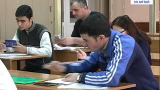 Мигранты сдают экзамены(Новые правила для трудовых мигрантов. С января этого года получить право на российское гражданство или..., 2015-01-29T10:37:51.000Z)