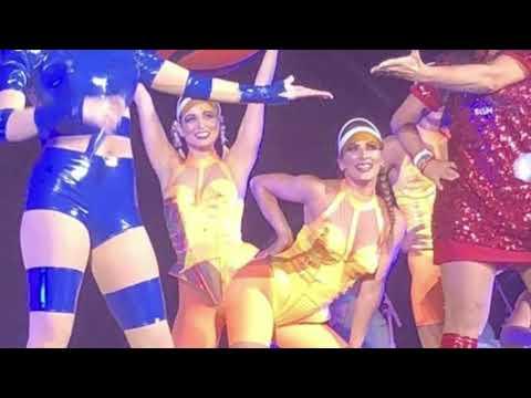 Gretchen dançando no show de Katy Perry em São Paulo