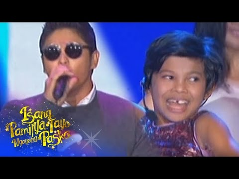 Aura and Coco sing novelty hits
