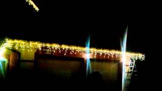 видео Гирлянды для украшения фасада дома