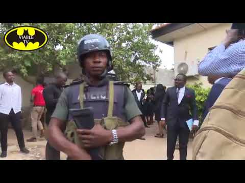 Dino Melaye: Lawyers Clash With Over 50 Policemen In Court Premises (Watch Video)