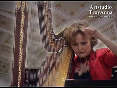 Смотреть клип Elizabeth ALEXANDROVA - R.GLIERE - Concerto for harp and orchestra - Artstudio