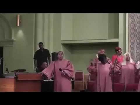 Already Been To The Water - Dianne Williams & Choir Mic Toss