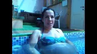 היפוך עובר במים  של ליבי. www.embriyo.co.il