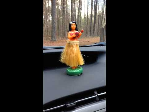 Wiggling Hula Girl Doll Dashboard Bobble Head Nodding