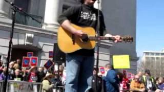 "Jason Moon with Iraq Veterans Against the War Singing ""Trying to Find My Way Home"""