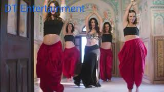 Warina hussain hot dance moves in song