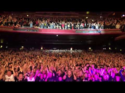 3500 people singing the riff to On The TV by The Slow Readers Club at 02 Apollo, Manchester