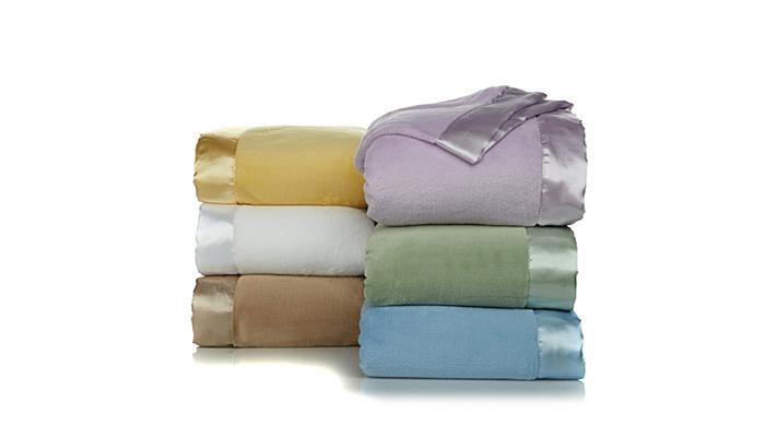 Download Soft   Cozy Plush Blanket with Satin Trim  Twin