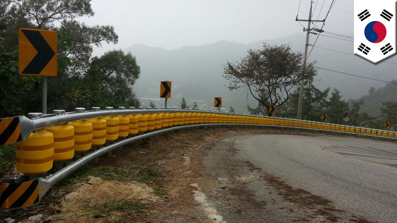 Rolling guardrail invented in south korea could save more