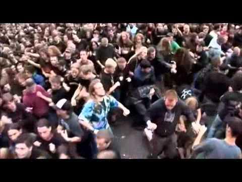 Corpsegrinder VS. Corey Taylor [Headbang contest]