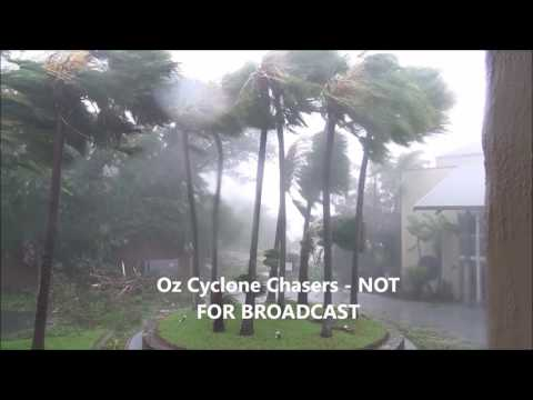 Severe Tropical Cyclone Debbie Chase - Airlie Beach Full Chase/Documentary