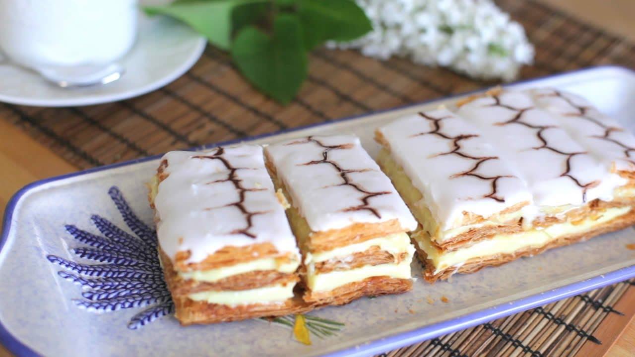 Mille Feuille Franzosischer Blatterteigkuchen Mit Cremefullung