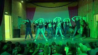 CL - 'HELLO BITCHES' DANCE PERFORMANCE - Russian girls dance