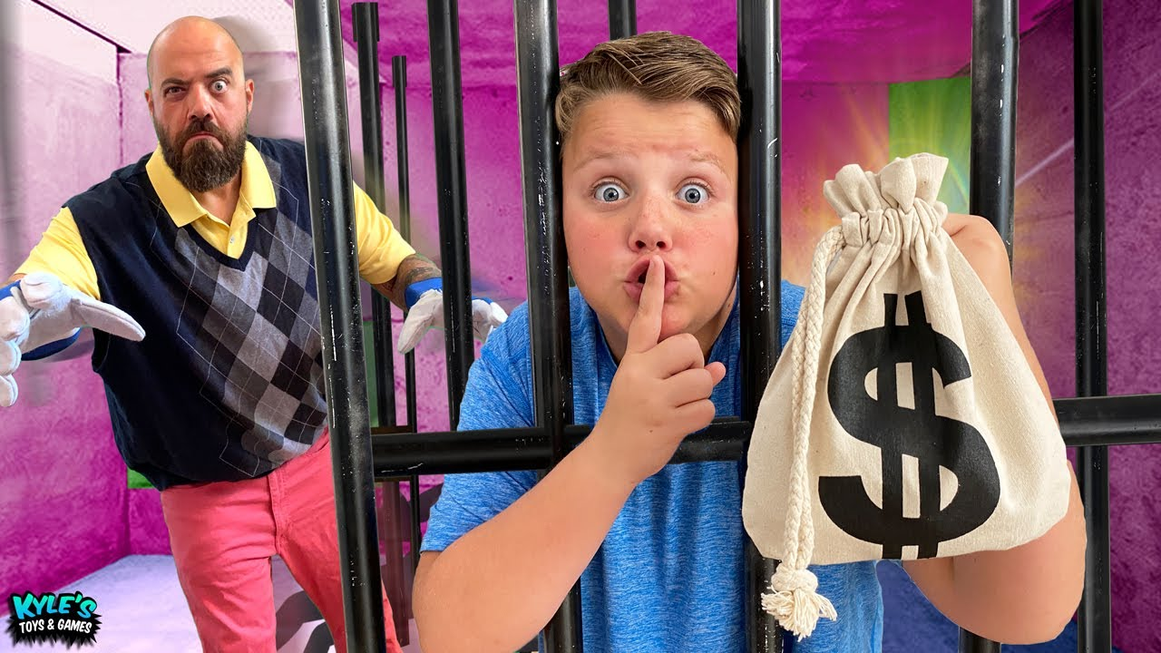 Mystery Neighbor Jail Escape Challenge!