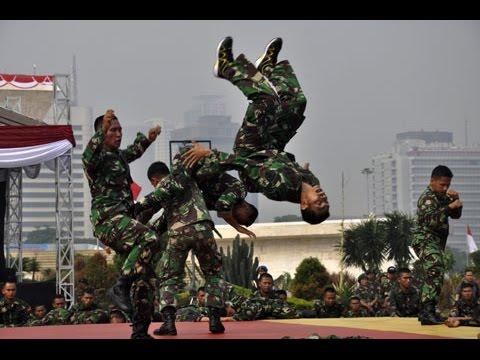 ( PELANGI - BOOMERANG lipsync ) GOKIL KEREN oleh anggota TNI