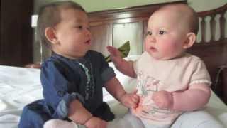 Дети разговаривают видео