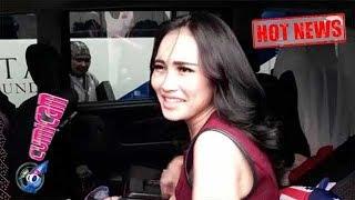 Hot News! Ditanya Soal Raffi Jadi Ayah Bilqis, Ini Senyum Ayu Ting Ting - Cumicam 14 November 2017