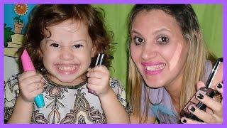 Valentina em - Filha Maquiando