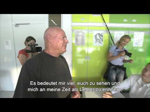 DIE WELLE| Original Lehrer Ron Jones besucht Klasse deutsch