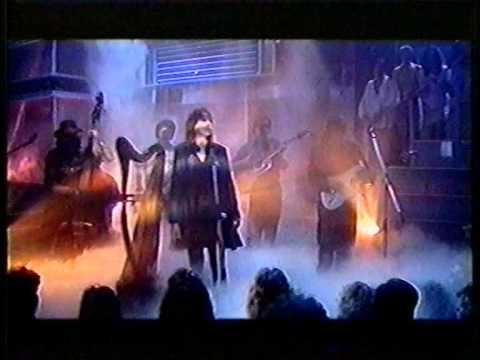 CLANNAD :: 1986 - In a lifetime [ Clannad live feauturing Bono playback ]