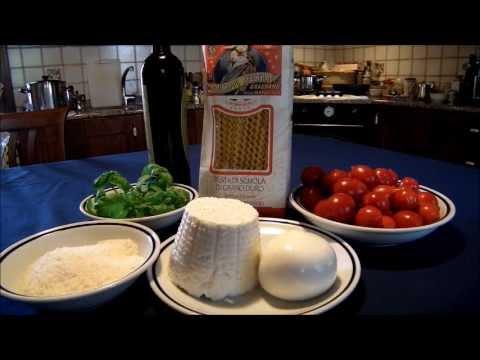 Fusilli con pomodorini, ricotta, mozzarella e basilico