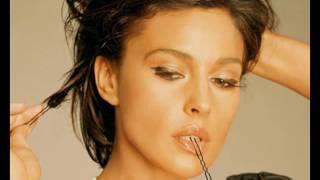 Monica Bellucci hot sexy model actress movie star flip book slideshow