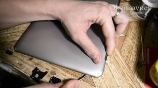 Планшет Samsung GT P5100 10 не включается и как я крышку сломал через незнания разбора.
