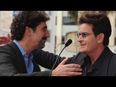 Charlie Sheen Ready to Apologize to Former Boss Chuck Lorre