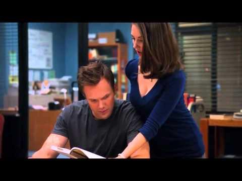 Community.S01E09 Alison Brie 02