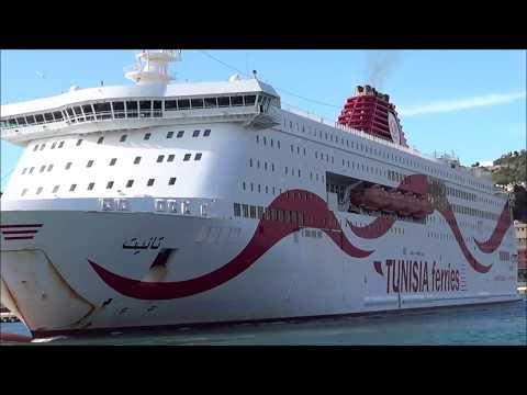 Tunisia ferries - Tanit esce dal porto di Genova