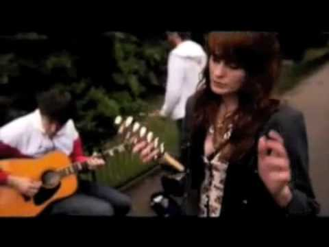 Florence + The Machine - My Boy Builds Coffins Live