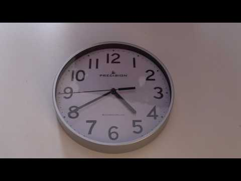 Radio controlled quartz clock
