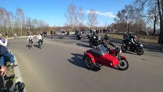Выезд мотоколонны с Татышева - Открытие мотосезона 2018 Красноярск - Девушка на мотоцикле Урал