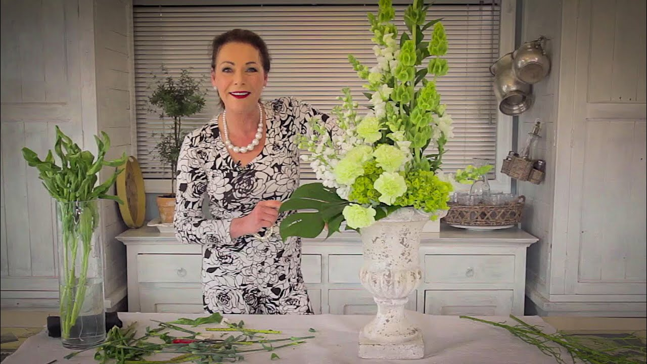 How to arrange with tall stately flowers floristry