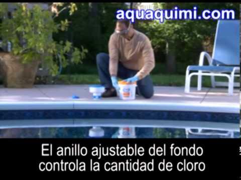 Per c mo colocar pastillas de cloro en el flotador dispensador de la piscina - Cloro en piscinas ...