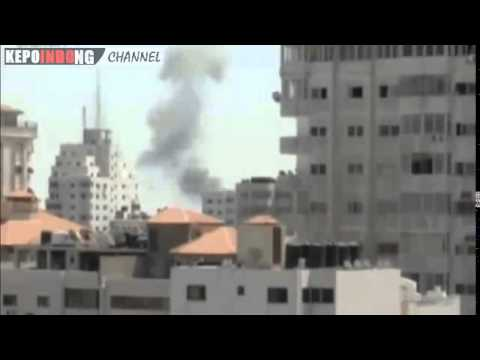 Israel War 2014   ISRAEL ATTACKS GAZA BORDER.