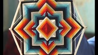 Что такое мандала и как её делать(Липецкий музыкант Алексей Дедяев освоил редкое искусство. Он научился плести древние индейские обереги...., 2015-10-19T07:17:04.000Z)