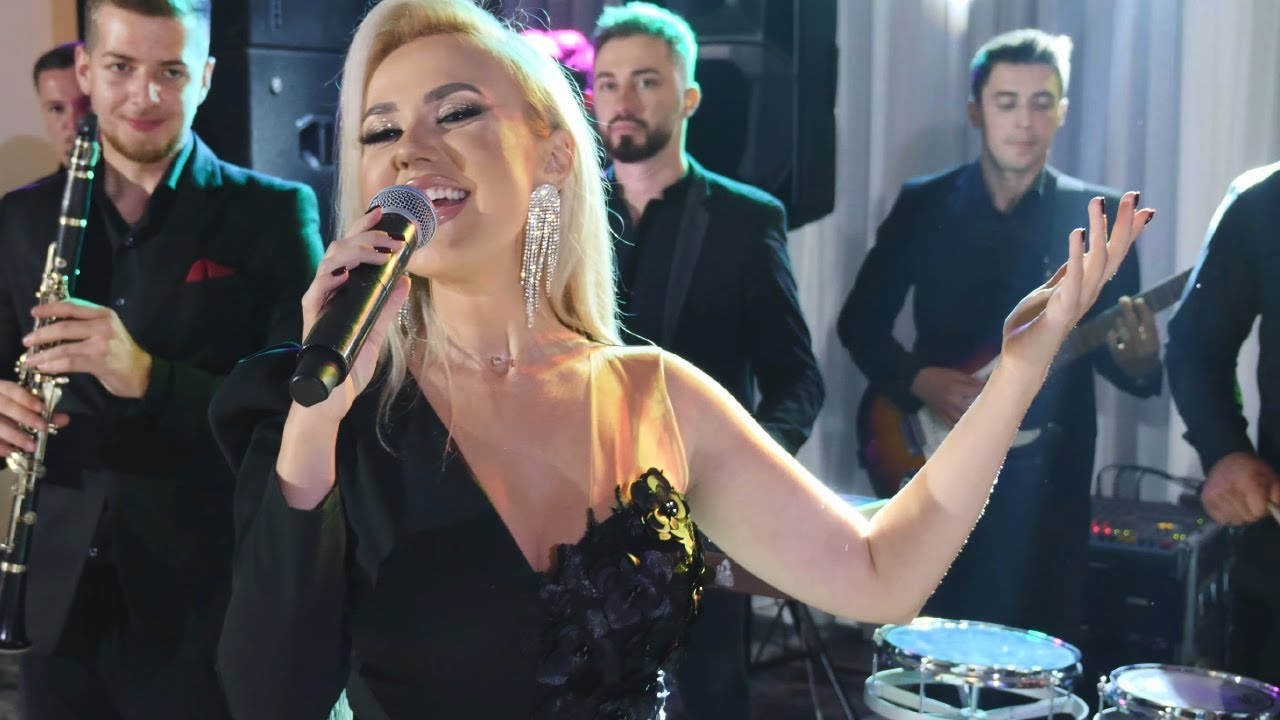 Download Adina Popovici - Cele mai frumoase manele COLAJ - Ce perversa e lumea si rea