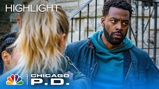 Atwater Goes Undercover, But Things Go Very Wrong - Chicago Pd