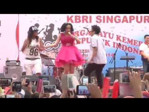 Zaskia Gotik - ABG TUA (Official) KBRI Singapura
