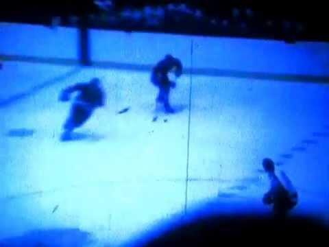 Chicago Blackhawks 1970 - Bobby Hull Shoots and Scores