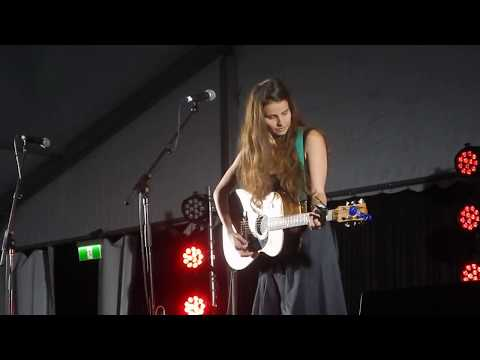 Imogen Clark - Too Late (live at the Gympie Muster, 25th August 2018)