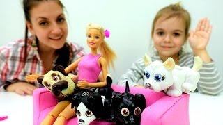 Видео для девочек. Барби дрессирует собак!