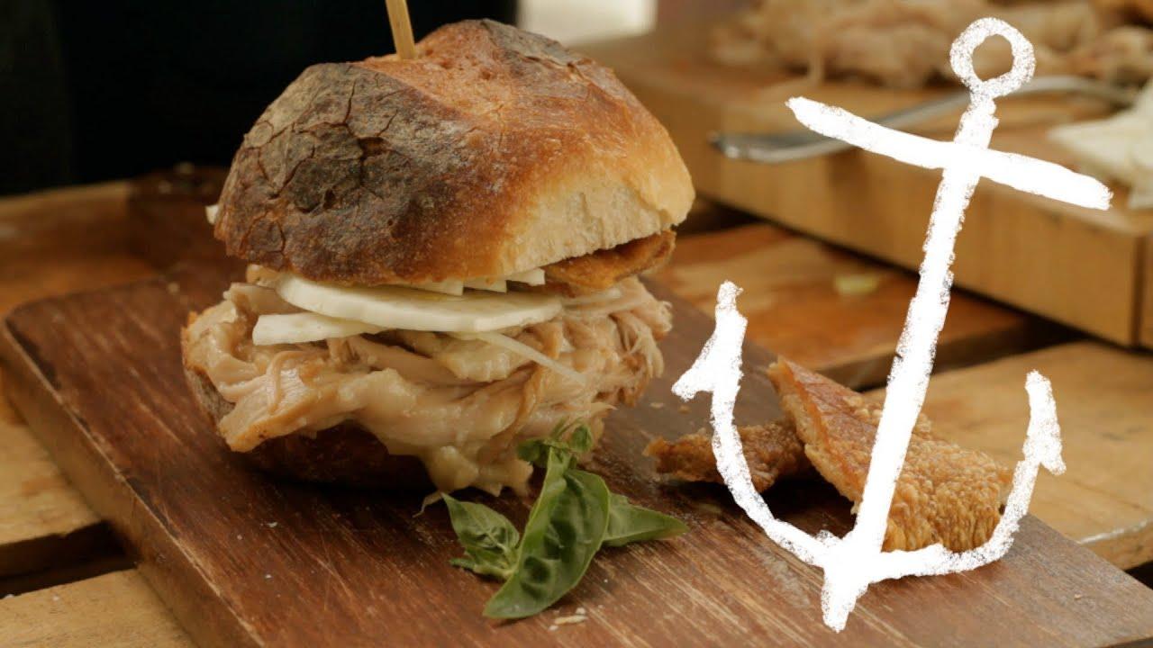How to make Pulled Pork Sliders with Superstar Crackling ...