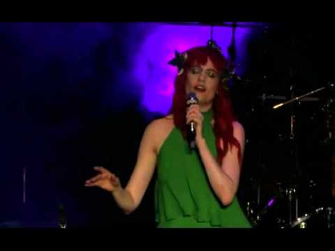 Florence + The Machine - Lover To Lover (Live at Bestival 2012)