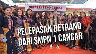 Gambar cover The Onsu Family - Pelepasan Betrand dari SMPN 1 CANCAR