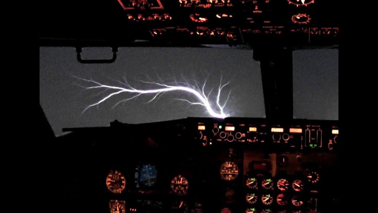Download 737 Jumpseat Takeoff & St. Elmo's Fire !!!