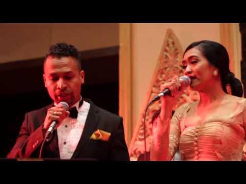 Kala Cinta Menggoda - Chrisye | Cover by Starlight Entertainment