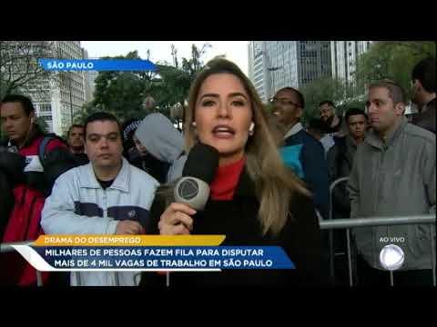 Paulistanos formam fila quilométrica em busca de emprego